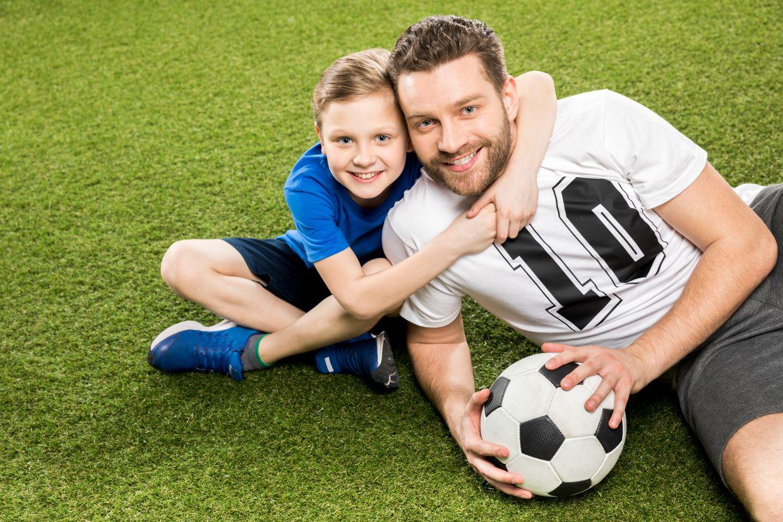 Za uspešno zdravljenje poškodb pri nogometu je ključnega pomena pravočasno in pravilno zdravljenje, ki pa ga lahko omogoči le strokovni tim, ki vključuje zdravnik, fizioterapevta in trenerja, ki se posebej ukvarjajo s tovrstnimi poškodbami.